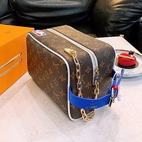 Louis Vuitton LV all-match atmospheric cosmetic bag handbag