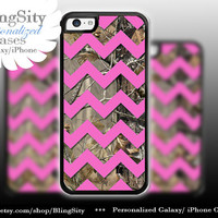 Monogram Iphone 5C case Camo Pink Hot Chevron iPhone 5s iPhone 4 case Ipod 4 5 case Real Tree Personalized Country Inspired Girl