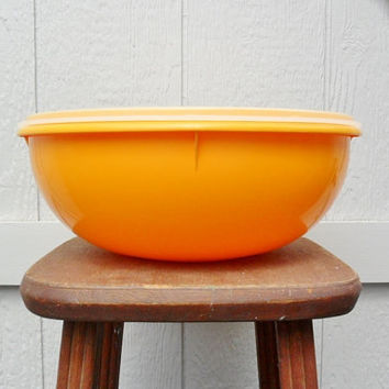 60s Large Tupperware Bowl with Lid 224 9 Yellow Fix and Mix Potato Salad Bowl Food Storage Store and Serve