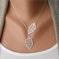 Vintage big leaves clavicle chain necklace from LOOBACK FASHION STORE