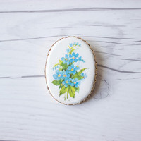 Vintage 70s Bouquet of Blue Flowers Floral Cameo Brooch Pin | Costume Jewelry