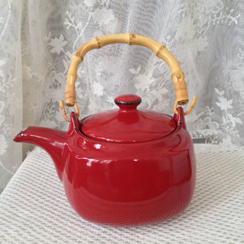 Red Harmony Teapot, Infuser, Bamboo Handle, Southern Living at Home Willow House, Vintage Red Kitchen Ceramic Teapot