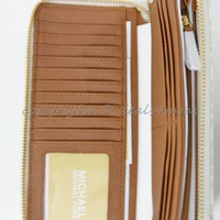 NWT Michael Kors Signature Jet Set Travel Continental Wallet/Wristlet in Vanilla