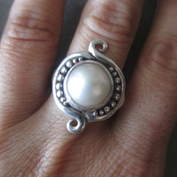 Sterling Silver Mabe' Pearl Ring