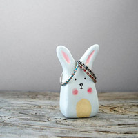 Bunny ring holder, rabbit ring stand, jewelry storage, ring display, jewelry organization, clay decoration