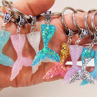 Mermaid tail keychain, mermaid tail key chain, mermaid clip, mermaid party favors, mermaid gift, mermaid accessories, mermaid gifts, tail