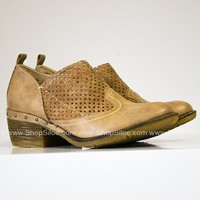 Kia Distressed Natural Booties