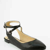 BC Footwear Gimme Strappy Flat - Urban Outfitters