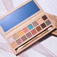 Kylie Take me on vacation 16 color eye shadow
