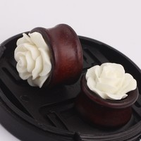1 Pair Wood Saddle White Color Rose Flower Ear Gauge Plugs And Tunnels Stretcher Expander Saddle Fit Plugs 8mm--20mm