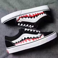 Vans Classic Black Shark sneakers