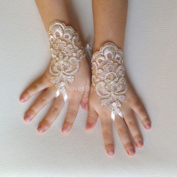 Flower girl ivory gold frame lace gloves wedding bridal gloves french lace for princess wedding gloves lace
