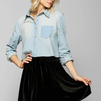 BDG Cropped Chambray Shirt - Urban Outfitters