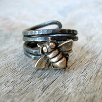 Mens ring bee insect