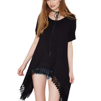 Black Short Sleeve Side Tail Tunic Blouse