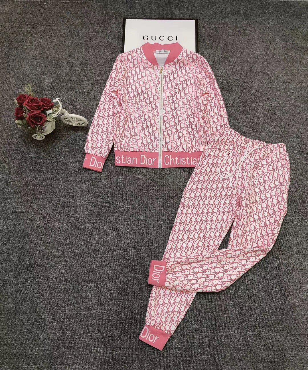 Image of Dior New Popular Women Casual Round Collar Top Pants Set Two-Piece