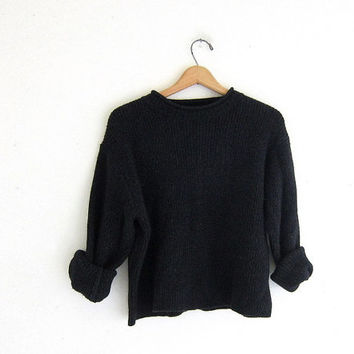 Vintage black sweater. Cropped sweater. Boxy pullover. ribbed knit sweater.