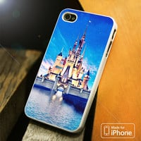 Disney Castle vintage iPhone 4S/5S/5C/SE/6S Plus Case
