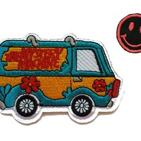 """Scooby-Doo MYSTERY MACHINE 2 1/4"""" Tall Embroidered PATCH"""