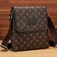 shosouvenir :  LV Fashion Men Shoulder Bag Casual Crossbody Bags Chic Handbag G-LLBPFSH