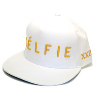Celfie Snapback in Gold/White
