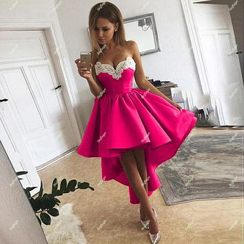 16 Fuschia High Low Pearls Satin Homecoming Dresses Tiered Sweetheart Appliques Cocktail Prom Robes de Soirée Party Dresses