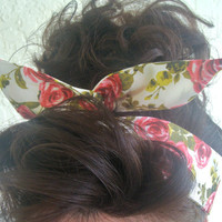 Dolly Bow, Flowers Roses on Creme Rockabilly Wire Headband Pin Up 50s Hair Teen Woman
