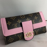 Louis Vuitton LV  Women Fashion Pattern Leather Purse bag