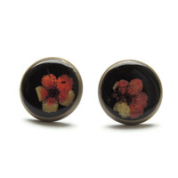 Pressed flowers stud earrings, Red and black ear studs resin, antique brass, botanical jewelry, Gift for nature lover