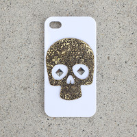 White Skull Stud Case
