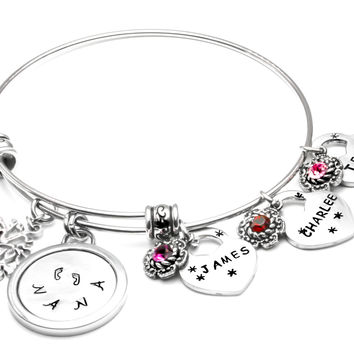 Personalized Mothers and Grandmothers Bangle Bracelet