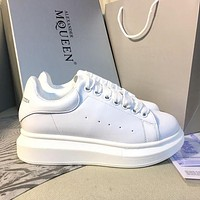 Alexander McQueen Classic white shoes-4