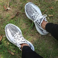 Adidas Women Men Yeezy 550 Boost 350 V2 Fashion Girl Boy Trewnding Personality Leisure Sport Running Shoe Sneakers - Ready Stock