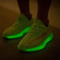 Adidas Yeezy Boost 350 V2 sports sneakers fashion running shoes glow at night