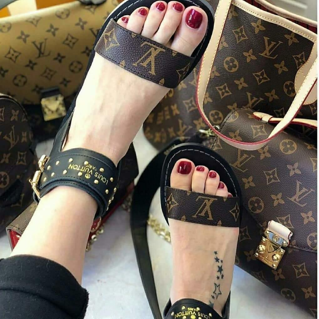 Image of 【Louis Vuitton】Women Sandal High Top LV One word with flat bottom high boots Sandals Coffee Color Slippers