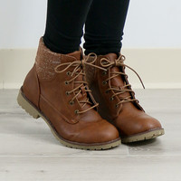 Sz 6.5 Rolling Hills Brown Lace-Up Combat Boot With Tribal Print Lining