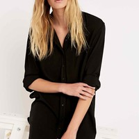 Silence + Noise Annie Shirt Dress in Black - Urban Outfitters