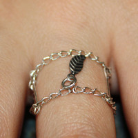 Women's Silver Plated Leaf Charm Cage Chain Ring size 7