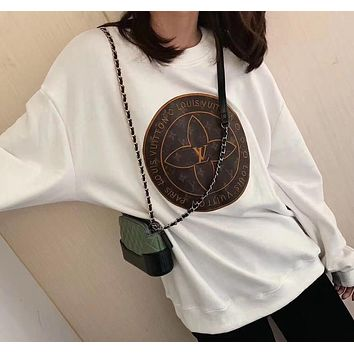 Louis Vuitton new embroidered patch, round neck cotton plus velvet sweatshirt for men and women loose top
