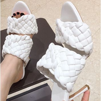 Hot style is a hot seller of woven high-heeled slim-heeled slippers