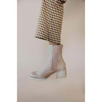 Free People: Essential Chelsea Boot Natural