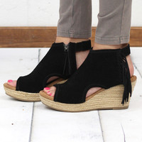 Minnetonka: Blaire Open Toe Fringe Wedge Bootie {Black}