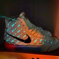 Nike high top men's and women's sports shoes