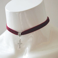Gothic simple choker - wine red velvet ribbon - with silver cross - wiccan wicca witch goth modern magic day collar metal fan necklace