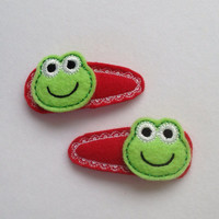 Green Felt Frogs On Red Felt Snap Clip Covers With Lacy Stitching Set of 2