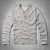 Muscle Fit Pocket Henley