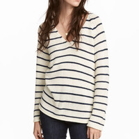 Loose-knit jumper - White/Blue striped - Ladies | H&M GB