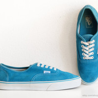 Turquoise suede Vans Authentic sneakers, vintage skate shoes in vibrant teal blue leather, bright low tops, size eu 44.5 (UK 10, US men 11)