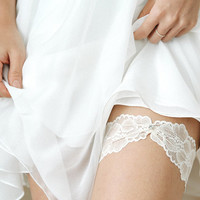 Ivory lace garter, bridal lace garter, wedding garter, stretchy lace garter set - style #521
