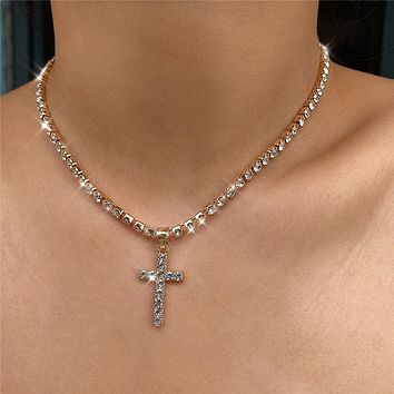 Shiny Crystal Cross Pendant Necklace Fashion Beach Rhineatone Clavicle Chain Charm Necklace Jewelry Female Gifts